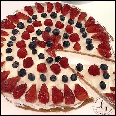 Patriotic Fruit Pizza | One Step Woman